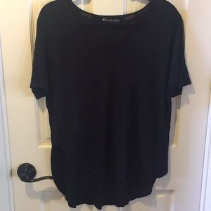 Two By Vince Camuto black top